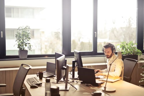 Why Choosing High-Quality Headset For Your BPO Company Is Important | Axtel HEADSETS